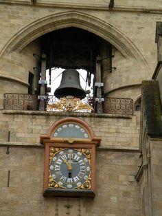 cloche et horloge de la Grosse Cloche de Bordeaux Biarritz, Cloche, France Europe, Beach, Nature, Photos, Mansions, Palaces, Castles