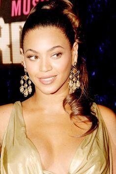 Beyoncé at MTV Video Music Awards 2006
