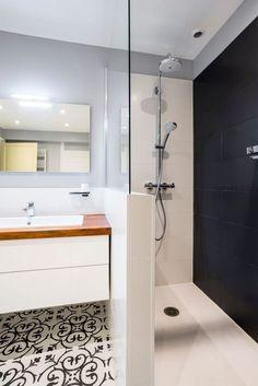 Amazing DIY Bathroom Ideas, Bathroom Decor, Bathroom Remodel and Bathroom Projects to help inspire your bathroom dreams and goals. Minimalist Bathroom Design, Bathroom Design Small, Bathroom Colors, Bathroom Interior Design, Bathroom Styling, Modern Bathroom, Bathroom Ideas, Contemporary Bathrooms, Bathroom Remodeling