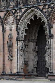Lichfield Cathedral in Lichfield, Staffordshire, England Amazing Buildings, Mosque, Location History, Barcelona Cathedral, Design Elements, Medieval, My Photos, Beautiful Places, Sculptures