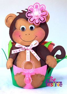 1 Safari centerpiece metal bucket/ monkey / Baby Shower / Its a Girl by BeFestive on Etsy Diy Projects For Kids, Crafts For Kids, Safari Centerpieces, Baby Boy Birthday Outfit, Mesas Para Baby Shower, Wooden Baby Toys, Baby Food Jars, Foam Crafts, Diy For Girls