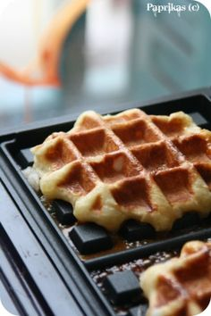 Homemade Recipe 72968 Liège waffles with thermomix. I offer a recipe for Liège waffles, simple and easy to prepare at home using thermomix. Biscotti, Crepes, Waffles, Belgian Food, Thermomix Desserts, Summer Dessert Recipes, Cooking Chef, Dessert Bread, Croissants