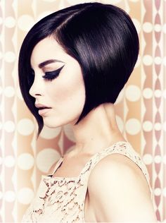 Hairdresser: Trevor John Sorbie (1949) He introduced the Wedge Cut, still much appreciated today and from which many variants came out. Born in Scotland, he starts to work in the 70's for Vidal Sassoon. After working for the famous chain Tony & Guy, in the 80's he opens his first salon.