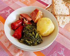Receta de lacón con grelos, chorizo y patata - Receita de lacón con grelos, chourizo e pataca