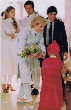 February 22, 1996: Princess Diana with Imran Khan, his wife Jemima and her mother, Annabel Goldstein visiting Shaukat Khanum Memorial Hospital, Lahore, Pakistan.
