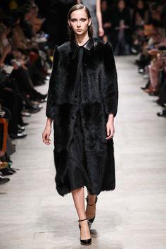 Rochas Fall 2015 Ready-to-Wear Fashion Show - Waleska Gorczevski (OUI)