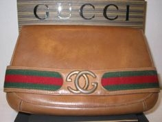 Aut vintage gucci clutch tan leather with signature red & green strip