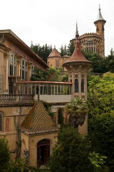 Abandoned school in Spain…it looks like a fairy tale!