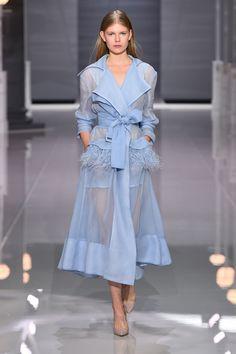 Bạn sẽ có rất nhiều cung bậc cảm xúc khác nhau khi chiêm ngưỡng 5 BST ấn tượng nhất London Fashion Week - Ảnh 7.