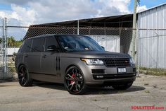 Matte grey Range Rover L405 gets black Forgiato Wheels (1)