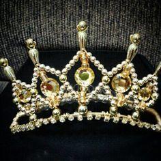 Mini coroa dourada