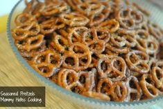 Seasoned Pretzels, perfect for gifts in a mason jar or for parties!