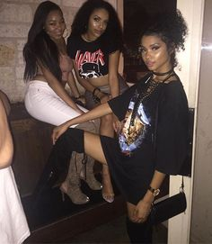 Last night with a couple baddies  #slaytivities