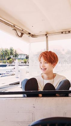 Imagen vía We Heart It #wallpaper #bts #bangtanboys #bangtan #yoongi #minyoongi #suga