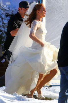 "Emma to Runs Away in Wedding Dress for Glee Season 4, Episode 14: ""I Do"""