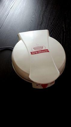 tarte réussite, avec cet appareil réalisez vos quiches, pizzas, grillades, petits fours.... convivial, facile d'utilisation (température automatique) il n'y a que la minuterie à régler, alors restez avec vos invités.