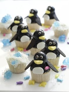 sooo cute! i love penguins!!