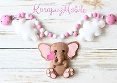 Sewing baby mobile garlands Ideas for 2019 Felted Wool Crafts, Felt Crafts, Sewing Projects For Guys, Felt Mobile, Baby Clothes Patterns, Elephant Pattern, Elephant Baby Showers, Felt Decorations, Felt Patterns