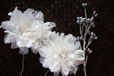 How to Assemble a Rustic Wedding Bouquet with Feather Flowers and Fabric Flowers
