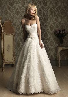 Spitze Brautmode