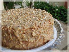 Essa receita veio direto da Sadhia, uma amiga blogueira querida que partilhou a delícia na revista Faça Fácil deste mês. Preparei o bolo pensando em minha participação na quermesse do Divino organi…
