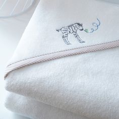Zoo de Vincennes - Jacadi Paris Jacadi Paris, Safari, Home Collections, Towel, Baby, Hooded Towels, Zapatos, Cowls, Presents