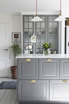 Cabinet Hacks That Give Your Kitchen A Whole New Lease On Life