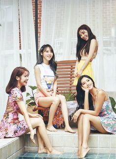 Kpop Girl Groups, Korean Girl Groups, Kpop Girls, K Pop, Mamamoo Moonbyul, Solar Mamamoo, Bridesmaid Dresses, Wedding Dresses, K Idols