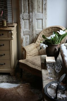 Traditional Upholstery makes my heart go pitter patter :)