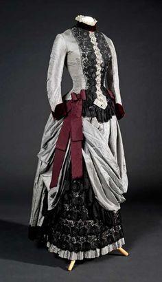 Lady's day dress 1895 ..... 1880s Fashion, Edwardian Fashion, Vintage Fashion, Gothic Fashion, Old Dresses, Pretty Dresses, Vintage Gowns, Vintage Outfits, Vintage Hats