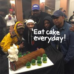 Redman's Blunt Cake For His Son Is Something You HAVE To See! Funny Birthday Cakes, 21st Birthday, Birthday Cake For Boyfriend, Dessert Drinks, Desserts, Specialty Cakes, Culinary Arts, Themed Cakes, Cake Designs