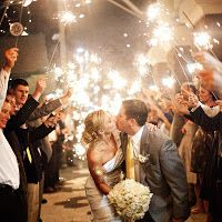 How to use sparklers for a wedding! LOVE THIS