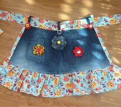 Denim & Flowers Apron 2019 Denim & Flowers Apron The post Denim & Flowers Apron 2019 appeared first on Denim Diy. Sewing Aprons, Sewing Clothes, Diy Clothes, Denim Aprons, Jean Crafts, Denim Crafts, Sewing Tutorials, Sewing Patterns, Sewing Tips
