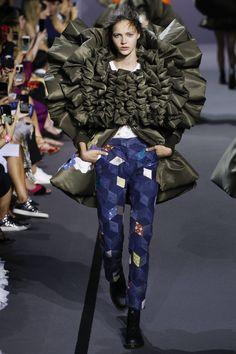 Viktor & Rolf Fall 2017 Couture Fashion Show - Anniek Verfaille