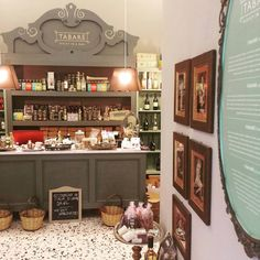 Tabarè Shop, Ortigia, Syracuse. Make yourself at home and taste our typiacl sicilian products... Really yummy!  #sicily #Syracuse #ortigia #food #sicilianfoos #cuisinesicilienne #sicilianproducts #produitssiciliens #taste #welcome #tourism #athome
