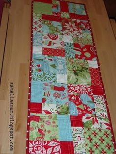 holiday table runner tutorial christmas sewing pinterest table rh pinterest com christmas table runner patterns youtube christmas table runner patterns to quilt