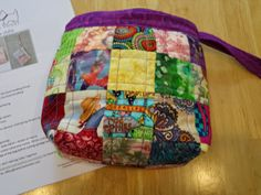 My modified version of the Bella Clutch by Clover and Violet Image Tips, Scrappy Quilts, I Am Happy, Quilting Projects, Dollar Stores, Thrifting, Charity, Projects To Try, Diy Bags