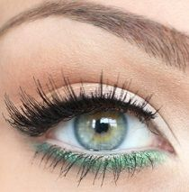 Create this look with the Essential Eyeliner Pen in Black (www.) on the top lash line and the Essential Shimmer Eyeliner Pencil in Grassy Green (www.) on the bottom lash line! Makeup Tips, Beauty Makeup, Hair Makeup, Hair Beauty, Makeup Ideas, Makeup Meme, Nice Makeup, Makeup Designs, Makeup Trends