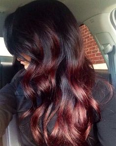 Ombre hairstyles provide a great way to experiment with colors, and red ombre styles are among the most fun. Check out our top 22 red ombre hair color ideas! Black Hair Hairstyles, Pretty Hairstyles, Highlighted Hairstyles, Natural Hairstyles, Ombré Hair Rouge, Auburn Balayage, Burgundy Balayage, Bayalage Red, Dark Balayage