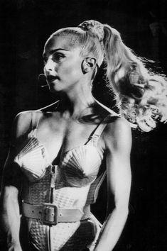 Madonna. Blond Ambition.