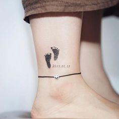 In addition to fashion and faith, tattoos should have a certain meaning. In this issue, creative small tattoos for moms with kids are recommended. tattoo ideen 40 Creative small tattoos ideas for moms with kids – Name Tattoos For Moms, Baby Name Tattoos, Mommy Tattoos, Mother Tattoos, Tattoos For Kids, Tattoos For Daughters, Tattoos For Women Small, Tattoos For Baby Boy, Motherhood Tattoos