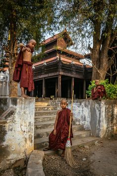 Three little monks at Shwe In Bin Monastery, Mandalay, Myanmar