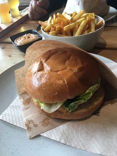 Burger & fritter på Anarkist i Odense🍔🍟