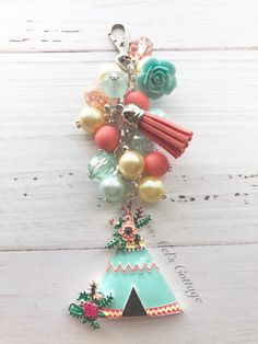 Pretty Boho Teepee Beads Zipper Bag Charm/Keychain/Purse/Bag Bling/Planner/Car rearview mirror/fan charm/Bohemian/chic by MissMelsCottage on Etsy Chunky Bead Necklaces, Chunky Beads, Diy Keychain, Tassel Keychain, Candy Drawing, Beaded Garland, Organza Gift Bags, Diy Necklace, Bead Crafts
