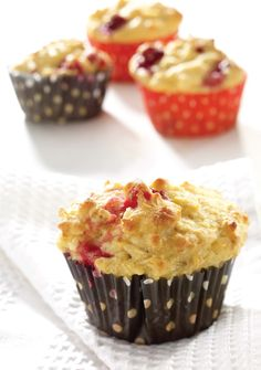 Muffins aux canneberges et à l'orange Healthy Deserts, Healthy Recipes, Muffin Recipes, Breakfast Recipes, Scones, Biscuits, Brunch, Bakery, Nutrition