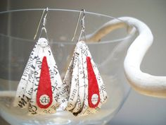 Paper earrings made with ancient recycled paper (you can find here where this papes comes