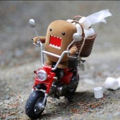 Bad domo is stealing all the toilet paper to stop him we need 20 likes. #domo#20likes#awesome#cheeseeatscheese#baddomo#bad#likeforlike#l4l#followforfollow#f4f#cool#cute#toiletpaper#swag#bro#motorcycle#recentforrecent#r4r#amazing#smile#go#ride