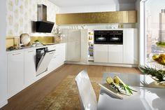 Kücheneinrichtung in Gold - Küche&Co Messing, Glamour, Kitchen, Table, Furniture, Home Decor, Lacquer Furniture, Gold Kitchen, Decorating Kitchen