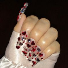 ♥️ Be mine, Valentine ♥️ Rhinestone heart nails by ✨ Would you wear these? Ongles Bling Bling, Bling Nails, Aycrlic Nails, Stiletto Nails, Perfect Nails, Gorgeous Nails, Amazing Nails, Nagel Bling, Valentine's Day Nail Designs