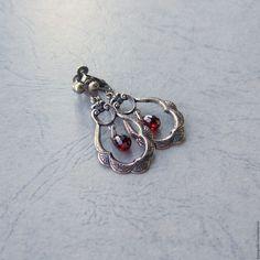 """Купить Клипсы для ушей с цветными фианитами """"Гранат"""" - винтажный стиль, клипсы, нежное украшение, серебряный"""